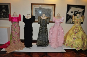 image of different styles of Filipino traditional dress for women called Balintawak